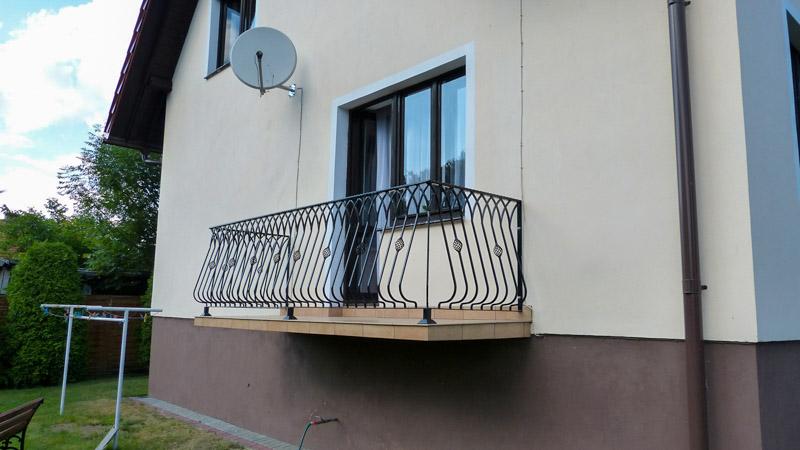 klasyczna balustrada balkonowa
