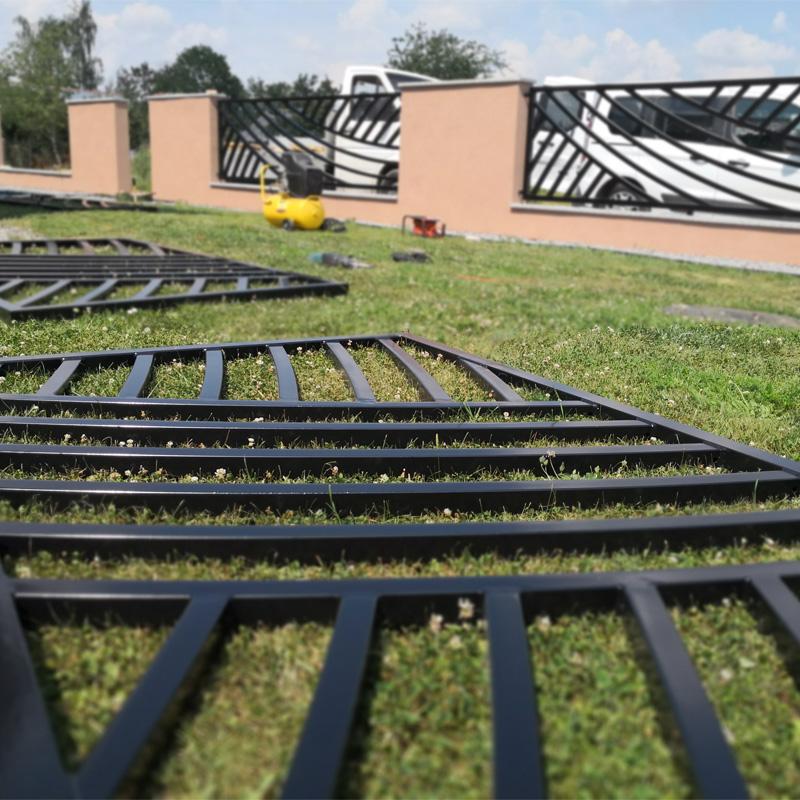 ogrodzenie nowoczesne przęsła czarne